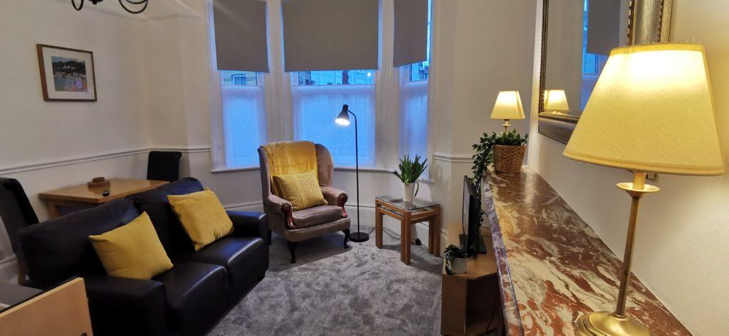 Victoria Apartment Lounge